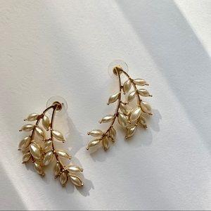 Pearl leaf climber gold earrings
